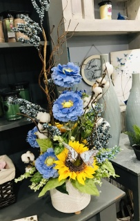 Styled one sided arrangement in yellow and blue